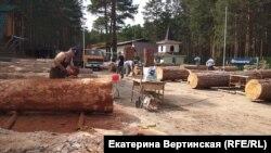 Соревнования резчиков по дереву в Иркутской области