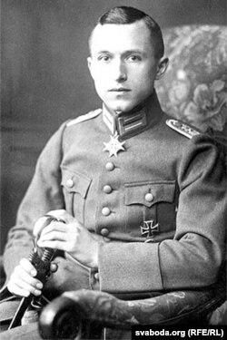 Эрнст Юнгер са сваімі баявымі ўзнагародамі