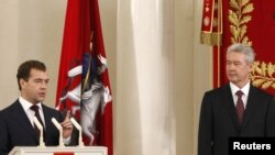 Дмитро Медведєв та Сергій Собянін, Москва, 21 жовтня 2010 року