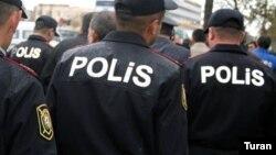 Polis. Foto arxiv.