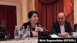 Приводимые Экой Беселия факты внимательно выслушал Народный защитник Уча Нануашвили. Все негативные тенденции в сфере защиты прав человека гораздо острее отражены в его ежегодном докладе
