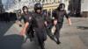Peste 40 de persoane, reținute la protestele de sâmbătă de la Moscova, au fost deja condamnate la trei până la 15 zile închisoare