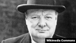 """Уинстон Черчилль, из речи 8 мая 1945 года: """"...Мы должны отдать должное нашим русским товарищам, чья отвага на полях сражений стала одним из важнейших слагаемых нашей общей победы""""."""