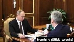Путин одобряет собянинский план переселения