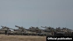 Танки и военные в Нагорном Карабахе. Иллюстративное фото.