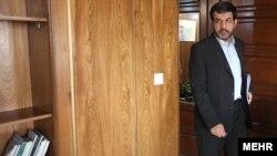 رضا تقیپور، وزیر مخابرات جمهوری اسلامی، از جمله افرادی است که بهتازگی در فهرست تحریمها قرار گرفتهاند.