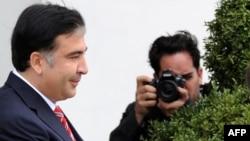 Не слишком ли рано подводить итоги политической карьеры Саакашвили?