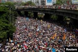 Дэманстрацыя супраць Мадуры ў Каракасе у красавіку 2017 году