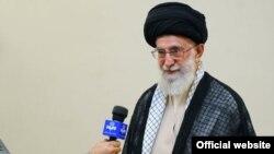 Иранынң жоғарғы рухани көсемі Аятолла Әли Хаменей.