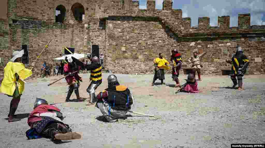 Міжнародний лицарський фестиваль «Генуезький шолом» у Судаку