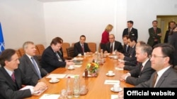 Belgium -- Top officials from Armenia and NATO meet in Brussels on 20May2009