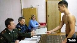 Повестка в армию нередко становится для призывников билетом в один конец