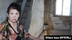 Мансия Алданова, жительница аварийного дома 1935 года постройки. Шымкент, 23 февраля 2017 года.