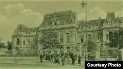 Palatul Rosetti Roznovanu (azi, sediul Primăriei Iași), sediul ministerelor și al Consiliului de Miniștri în Primul Război Mondial (Foto: I. Țurcanu, M. Papuc, Basarabia în actul Marii Uniri de la 1918)