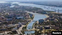 Вид на город Астрахань с высоты птичьего полета. 28 августа 2013 года.
