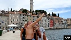 Hrvatska, turisti u Rovinju, ilustraciaj