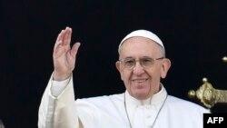 Papa Françesku -- Foto nga arkivi