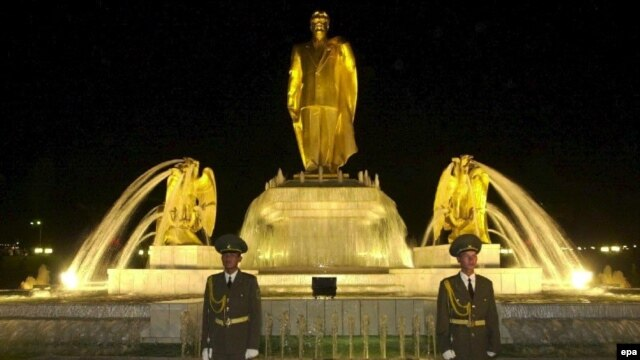 A statue of former Turkmen President Saparmurat Niyazov stands in the center of Ashgabat.
