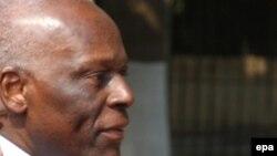 Анголаның президенті Жозе Эдуардо душ Сантуш.