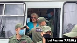 Задержание протестующих в Казани.