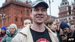 Ильдар Дадин на акции протеста в Москве, 6 апреля 2014 года