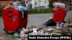 Расфрлан смет во Струга.