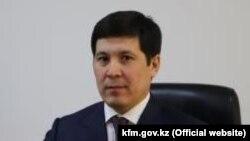 Әбілқайыр Ысқақов.