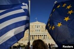 În fața Parlamentului la Atena