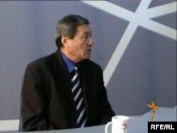 ЮНЕСКОнун иштери боюнча Улуттук комиссиянын мурдагы башкы катчысы Жыпар Жекшеев. 2009-жылдын 30-декабры.