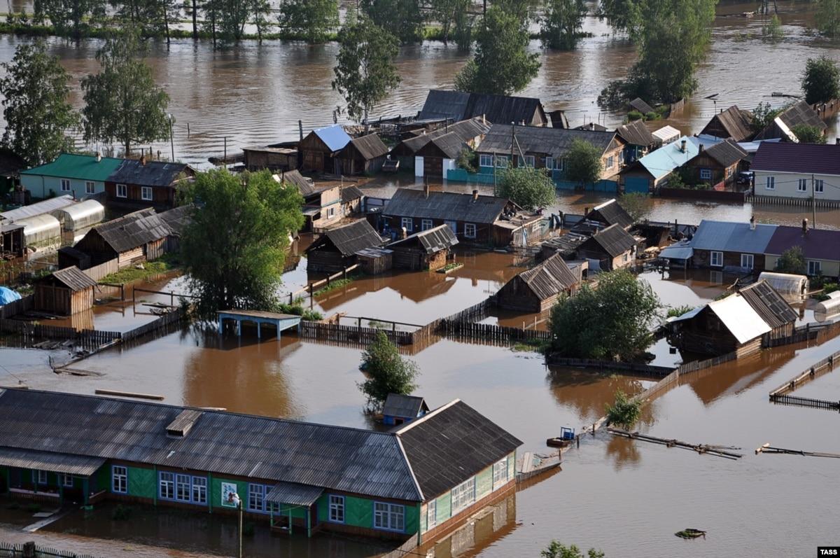 Наводнение в России: пять человек погибли, сотни – пострадали