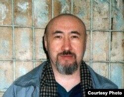 Арон Атабек тергеу изоляторында. Алматы, 2007 жылдың ақпаны.