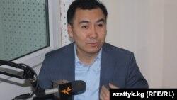 Равшан Жээнбеков, парламенттеги оппозициячыл депутат.