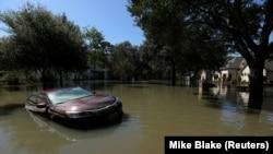 За даними ЗМІ, жертвою шторму стала одна людина