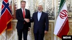 بورگه برنده، وزیر امورخارجه نروژ با حضور در محل وزارت امورخارجه با محمدجواد ظریف همتای ایرانی خود دیدار و گفت وگو کرد.