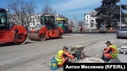 Реконструкция площади Ушакова в Севастополе, апрель 2020 года