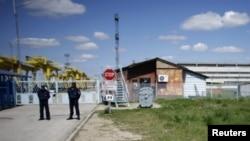 La intrarea pe șantierul centralei nucleare de la Belene