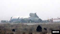 هواپیمای توپولف سانحه دیده در فرودگاه مشهد در بهمن ۸۸