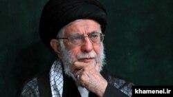 علی خامنهای بیش از سی سال است در راس حکومت ایران قرار دارد