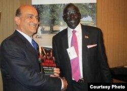 وليد فارس مع الونج وزير الانشاء السوداني الجنوبي