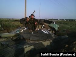 Танкіст Сергій Бондар у зоні АТО. Луганщина, 2014 року