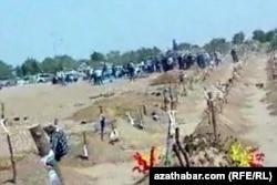 Кладбище в северной части на окраине Ашхабада, Июль, 2020