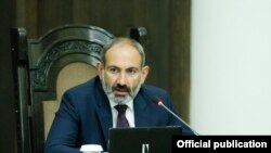 Armenia - Prime Minister Nikol Pashinian chairs a cabinet meeting in Yerevan, 19 July 2018.