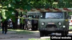 Криміналісти працюють на місці нападу на поштову машину в Харкові