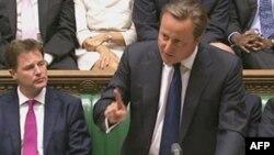 Британ премьер-министри Дэвид Кэмерон парламентте Сирия боюнча талкууда сүйлөп жатат, 29-август, 2013