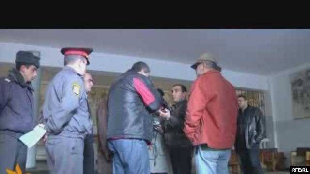 Screenshot of video showing a conflict between journalists and electoral sector officials in Yerevan on January 10