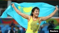 Эльмира Сыздықованың олимпиада ойындарында қола жүлде үшін белдесуін жеңген сәті. Рио, 17 тамыз 2016 жыл.