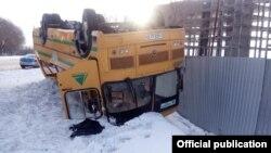 Перевернувшийся пассажирский автобус в Актобе. 15 февраля 2020 года.