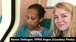 Journalist Sanne Terlingen working on a radio documentary on women in Eritrea/ Photo: Sanne Terlingen / VPRO Argos