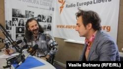 Emilian Galaicu-Păun și Viorel Mardare în studioul Europei Libere la Chișinău