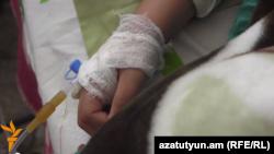 Հիվանդանոցում հայտնված երեխաներից մեկը, 22-ը մայիսի, 2015թ.